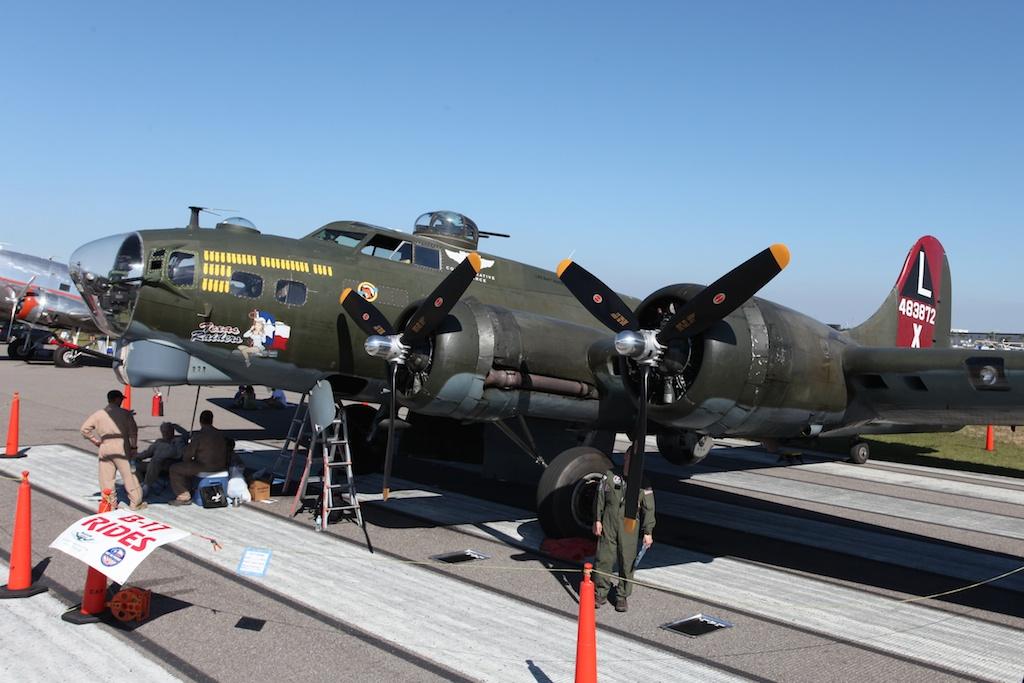 Boeing B-17G-95-DL 44-83872