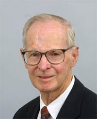 Av-Pioneer Dr. Paul McCready Dies