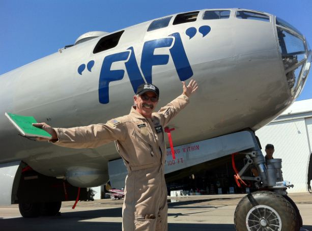 Country music star Aaron Tippin pilots a B-29