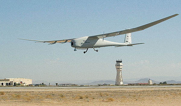Hydrogen-fueled propulsive system takes wing