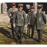 manfred-von-richthofen-german-aviator-during-the-first-world-war-with-colleagues
