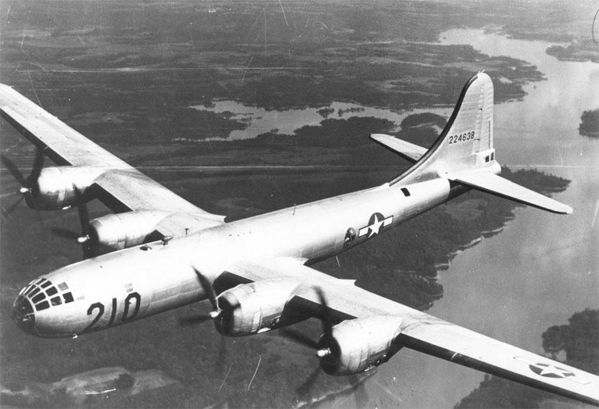 Retired Airman Recalls First USAF Flight Over North Pole