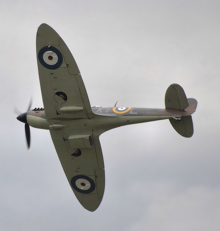 Oldest Battle of Britain Pilot Dies at 99