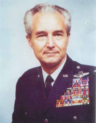 Influential Double-Ace Fighter Pilot Dies at 88