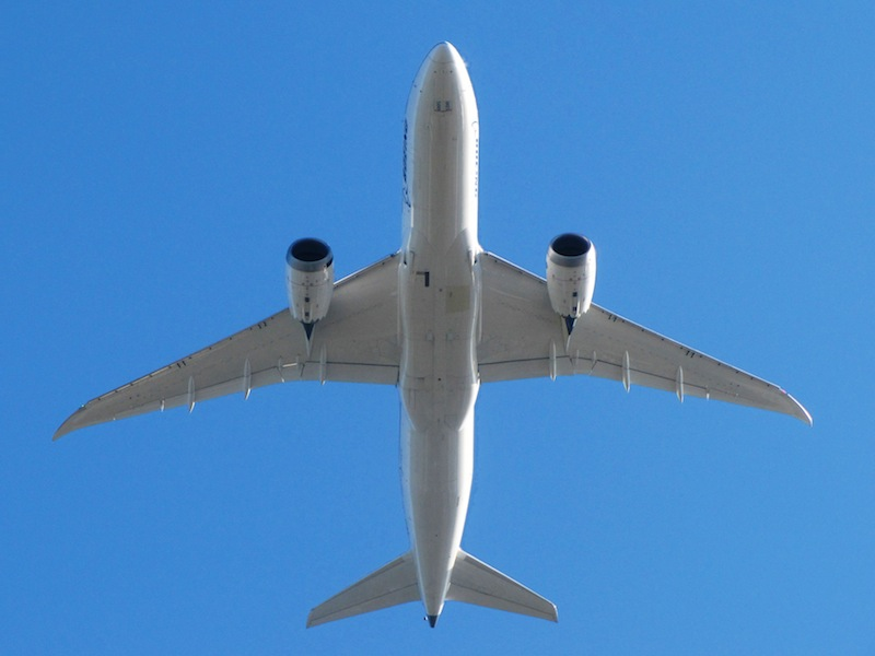 Boeing 787 Makes Emergency Landing as Inspections Ordered