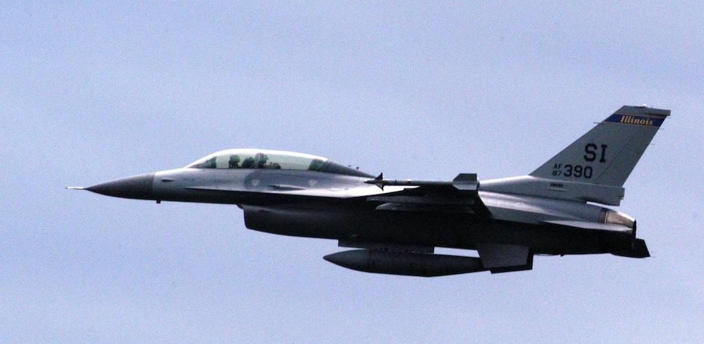 In the Viper: A Reporter Rides the F-16