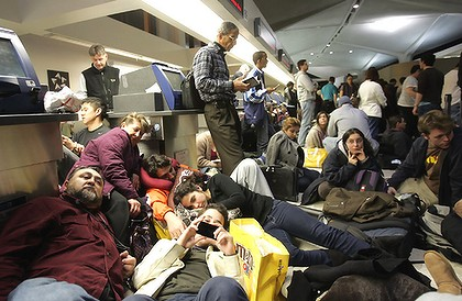 Air Travel Chaos Extends Into Thursday