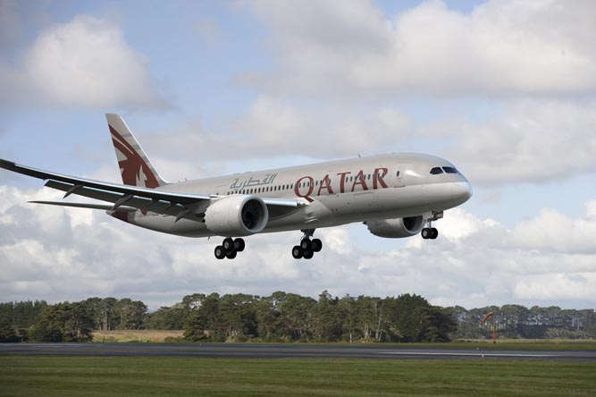 Qatar Airways Grounds 787, Boeing Investigating