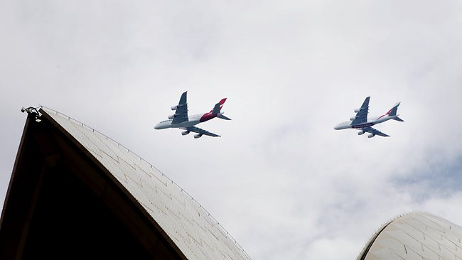 A380s Fly in Formation over Sidney