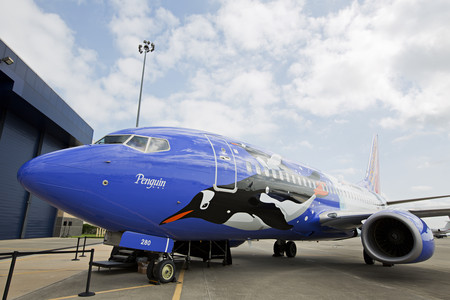 Southwest Debuts Penguin-Themed 737