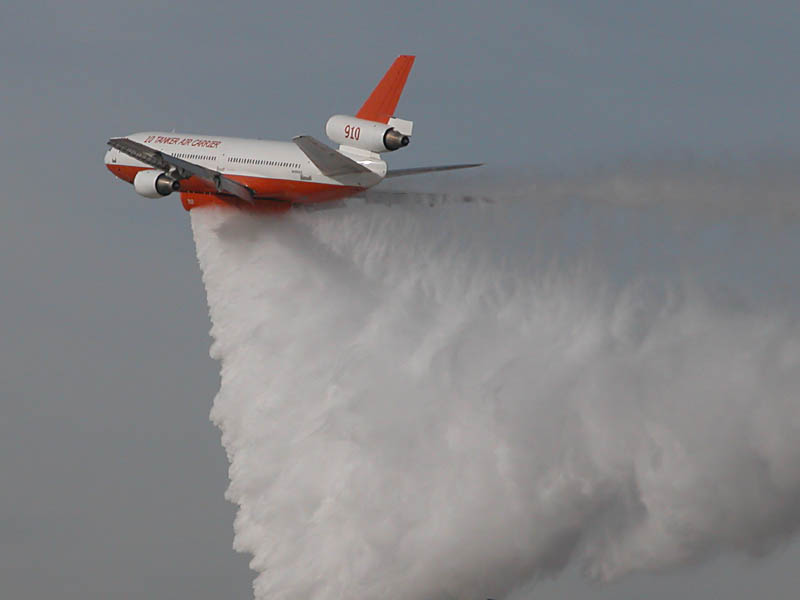 DC-10 Air Tanker Fighting Colorado Wildfires