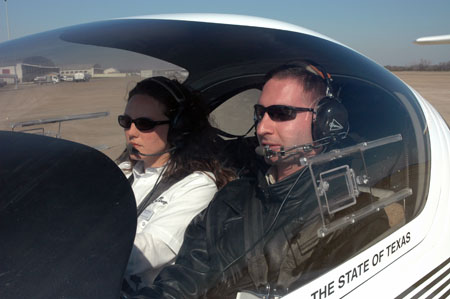 Women Pilots Stand Out at Texas College