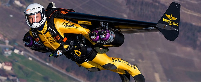 'Jetman' Wows Oshkosh Crowds