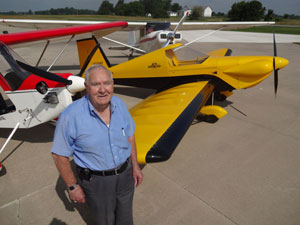 Ex-Military Pilot Gets EAA Award