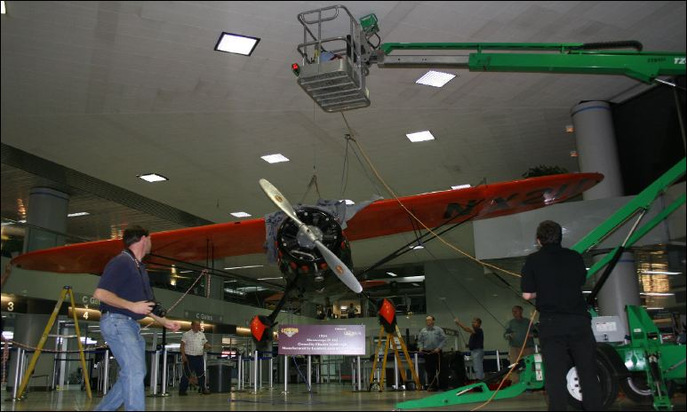VIDEO: How to Hang an Airplane