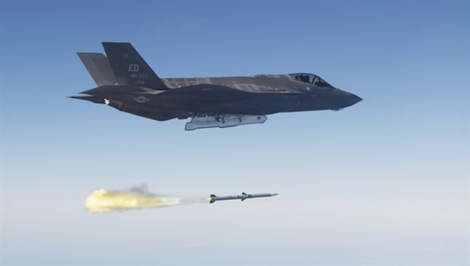 F-35 Achieves Live Missile Launch