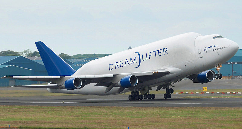 Dreamlifter Leaves 'Wrong' Airport