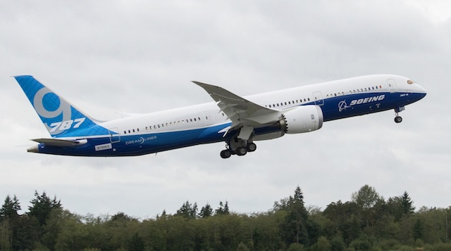 Boeing 787-9 Heads South for Tests