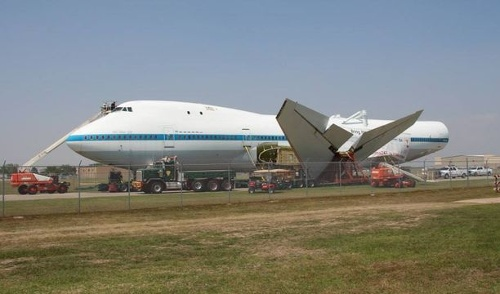Shuttle Transport Heads to New Home