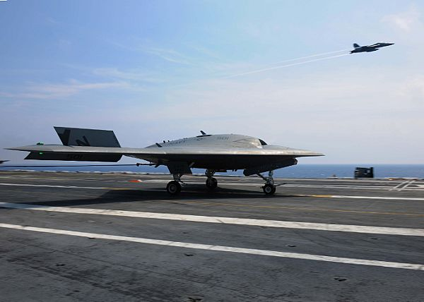 X-47B Conducts Ops with Manned Aircraft