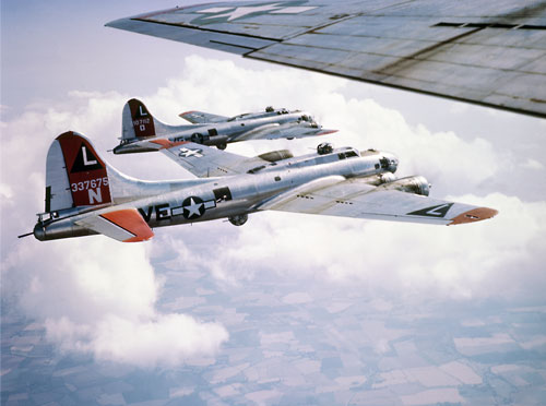 532nd Bomb Group B-17s in formation – Screen Saver