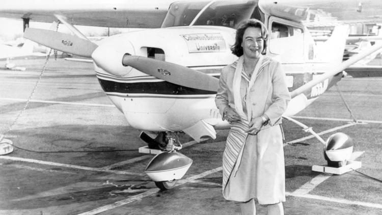 First Woman to Solo Around World Dies