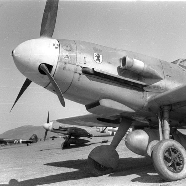 Messerschmitt Bf 109F-4 – Free Wallpaper