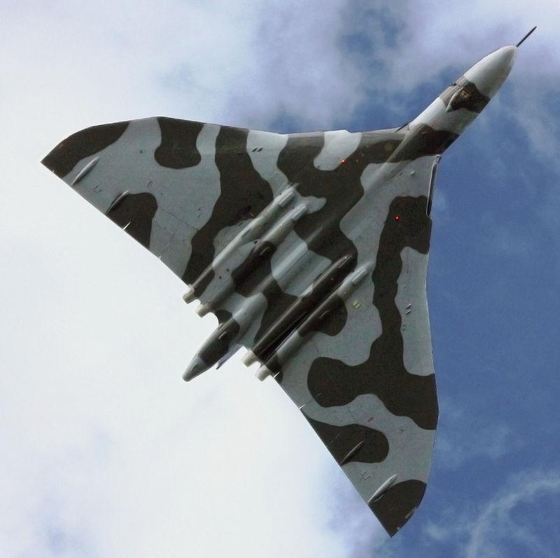 Vulcan Makes Last Flight Over RAF Base