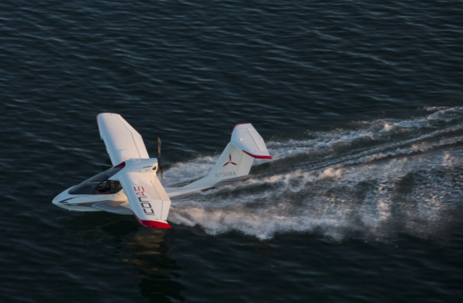 Pop Sci Flies the Icon A5