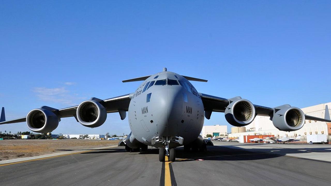 Last C-17 Leaves Long Beach Factory