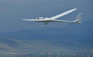 Perlan II Glider Prepares for Records
