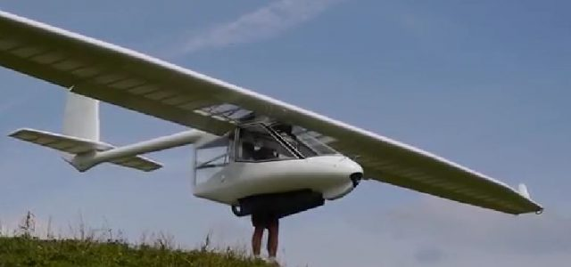 No Tow-Plane Required — Foot-launchable Archaeopteryx