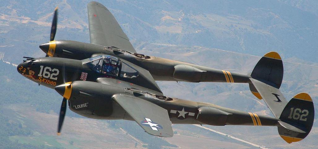 WW2 US Lockheed P-38 Lightning Bomber Plane Picture