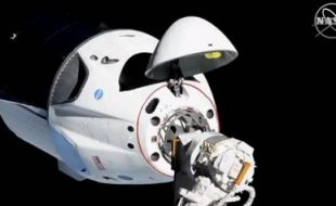 SpaceX's Crew Dragon Docks with ISS